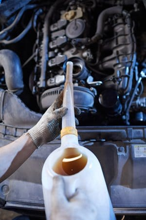 how long should an oil change take